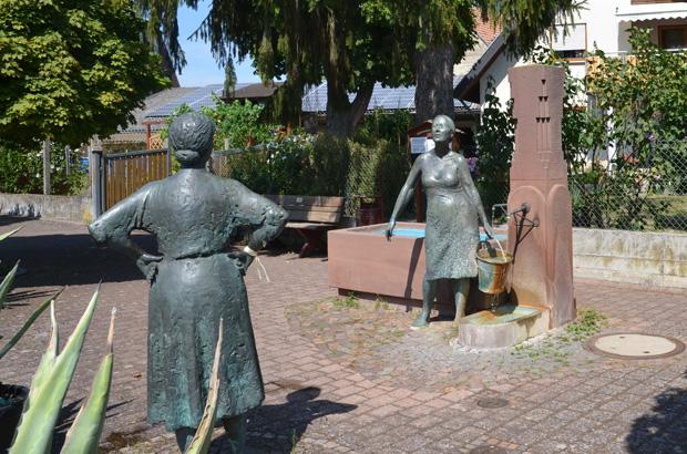 Dorfbrunnen in Hochstetten.