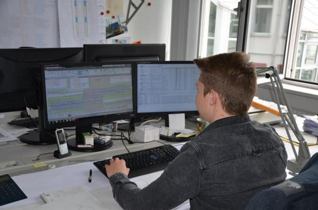 Zur Ausbildung gehört auch die Arbeit mit spezieller Planungssoftware.